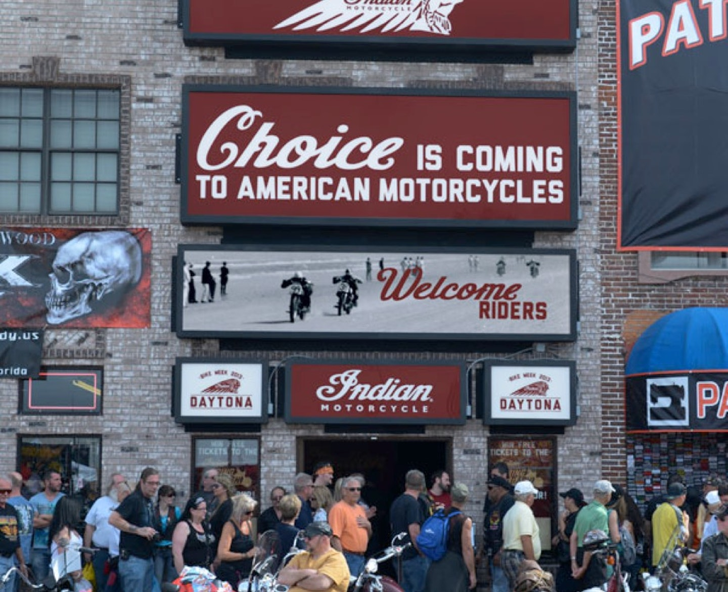 Indian Choice Is Back Daytona Bike Week Split Left 1028X836
