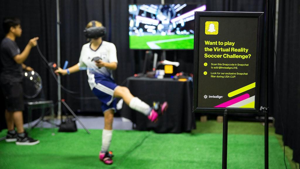 Invisalign Vr Soccer Carousel02 Image01 2048X1152