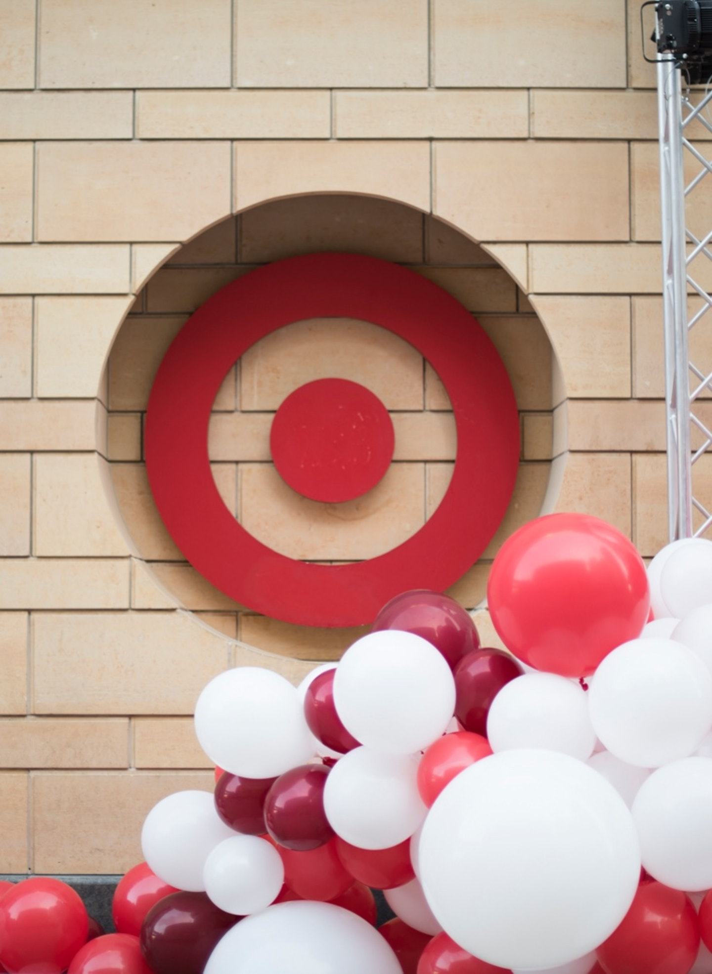 Target Remodels Balloon Logo Detail Split Right840X1150